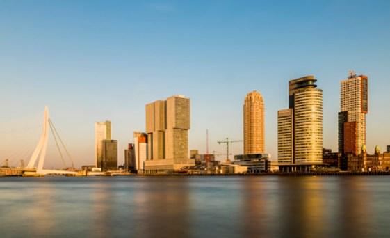 Immagini Stock - Wilhelminapier A Rotterdam Con I Grattacieli, Uffici,  Ponte Erasmus E Hotel New York. Image 57218519.