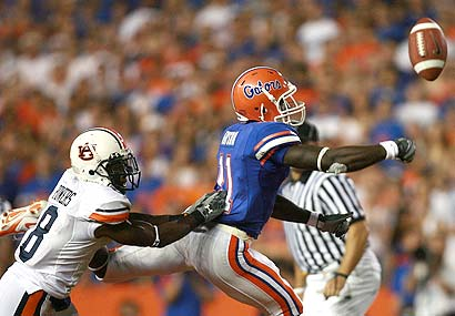 Florida's Jarred Fayson has a pass go off his hands.