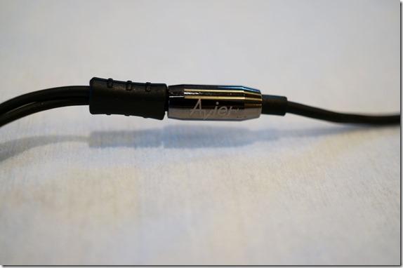 Avier 不鏽鋼金屬入耳式全音域耳機 DSC00791_thumb