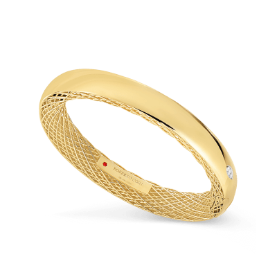 https://i2.wp.com/us.robertocoin.com/wp-content/uploads/2015/08/Roberto-Coin-Golden-Gate-18K-Yellow-Gold-and-18K-White-Gold-Slim-Bangle-with-Diamonds-7771093AJBAX.png?resize=400%2C400&ssl=1