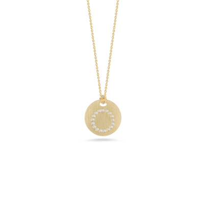 https://i2.wp.com/us.robertocoin.com/wp-content/uploads/2015/08/Roberto-Coin-Tiny-Treasures-18K-Yellow-Gold-Disc-Pendant-with-Diamond-Initial-O-000801AYCHXO.png?resize=400%2C400&ssl=1