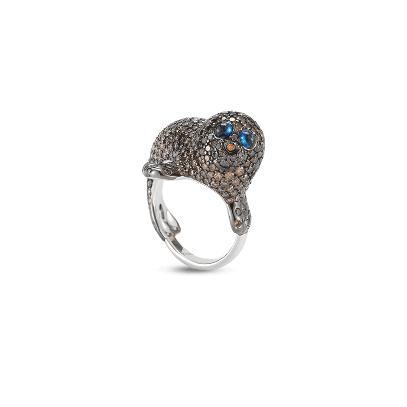 Roberto-Coin-Animalier-18K-White-Gold-Seal-Ring-with-Diamonds-and-Sapphires-378024AW65JX