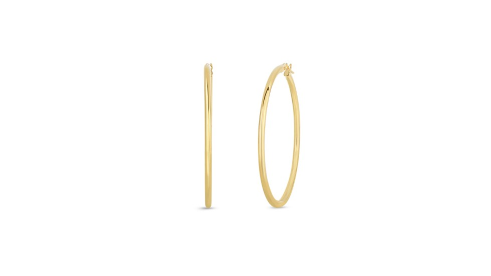 Roberto-Coin-Perfect-Gold-Hoops™-18K-Yellow-Gold-Large-Round-Hoop-Earrings-556023AYER00-blog-post-rc-take-it-to-the-hoop-go-for-the-gold