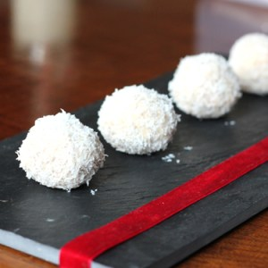 Ejercicio de Completar Ingredientes y Calcular el Incremento de Comensales y Porciones de Trufas de Coco y Chocolate Blanco