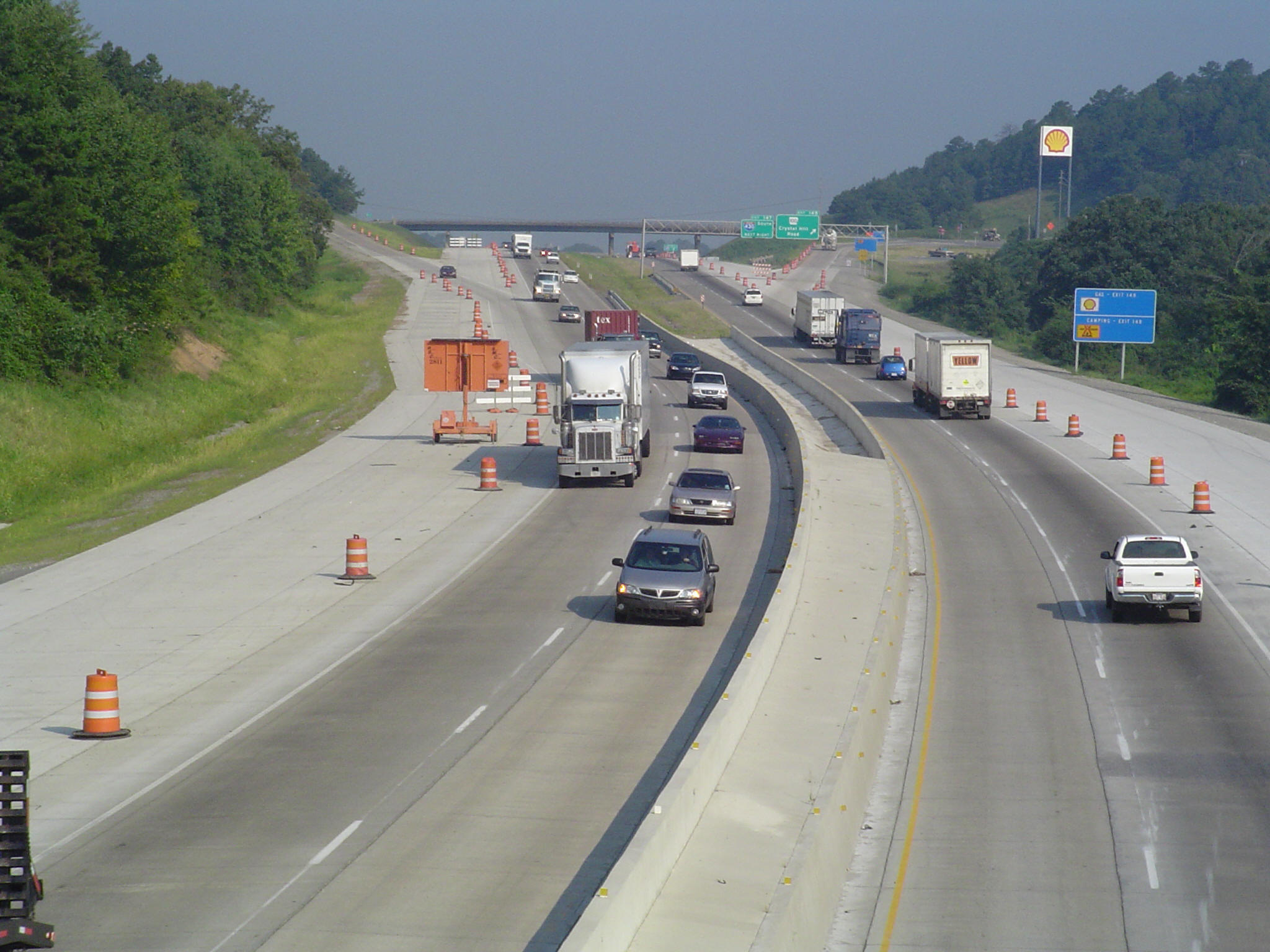 Construction to widen I-40 in Arkansas, which came in last in a state ranking of environmental transpo policies. Image: ##http://www.weaverbailey.com/projects.htm##Weaver Bailey Contractors##