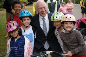 """We'll Miss You Jim Oberstar!"" say 86 percent of Streetsblog readers. Image: ##http://bikeportland.org/photos/album/72157624788750653/jim-oberstar-visits-beach-elementary-school.html##Bike Portland##"
