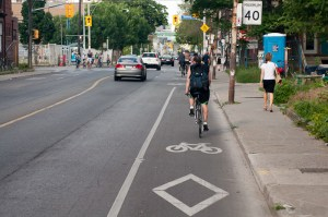 Motorists give more passing distance to cyclists in bike lanes, a recent study found, and they're less likely to veer into opposing traffic. Photo: Wikimedia