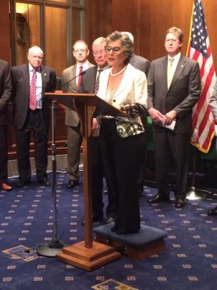Sen. Barbara Boxer unveils yet another stab at a long-term transportation authorization bill -- this time, as the minority party. Photo: ##https://twitter.com/AliABCNews/status/613351204559699972/photo/1##Ali Weinberg/Twitter##