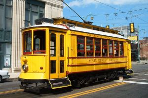 Memphis' historic trolleys shut down two years ago after a number of fires. But lawmakers are working on a fix. Photo: Wikipedia