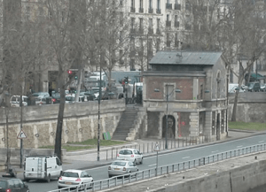 The Georges Pompidou expressway carried about 43,000 vehicles daily. Photo: Preservation Institute