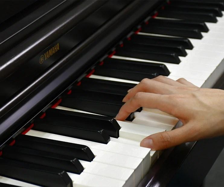 YDP164 Yamaha Arius Digital Piano w/bench Black