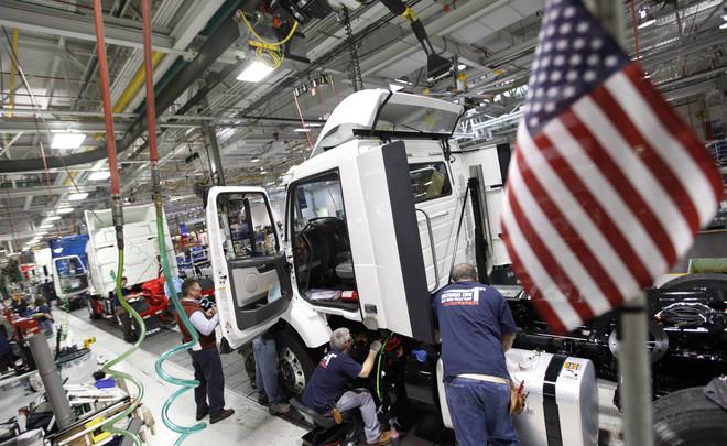 Photo of نشاط المصانع في أمريكا ينمو بأبطأ وتيرة في حوالي ثلاثة أعوام