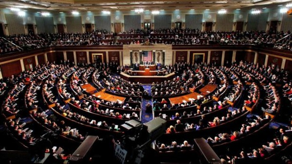 Photo of مجلس الشيوخ يمرر تشريعا لإنهاء إعلان ترامب حالة الطوارئ