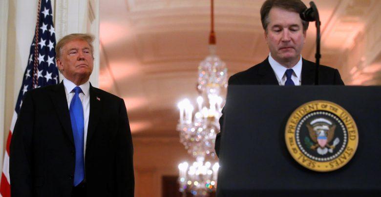 Photo of ترامب يدافع عن قاض من المحكمة العليا متهم مجدداً بالتحرش الجنسي