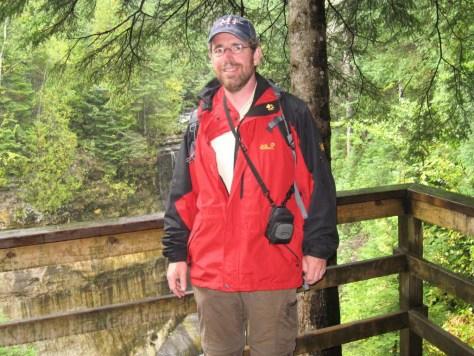 Woran erkennt man, dass dieser Wandersmann aus Deutschland kommt? (Tipp: Es hat was mit Wolfshaut zu tun ...)