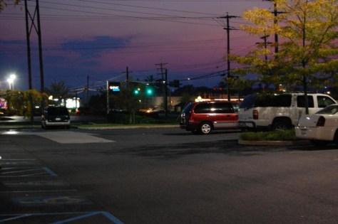 Abendstimmung auf dem Parkplatz von Ruby Tuesday