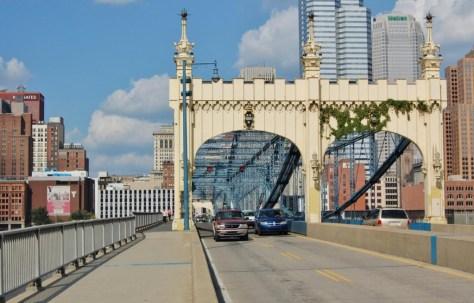 Brücke nach Downtown