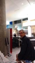 A L'AEROPORT EN ATTENDANT BEA ET MONIQUE