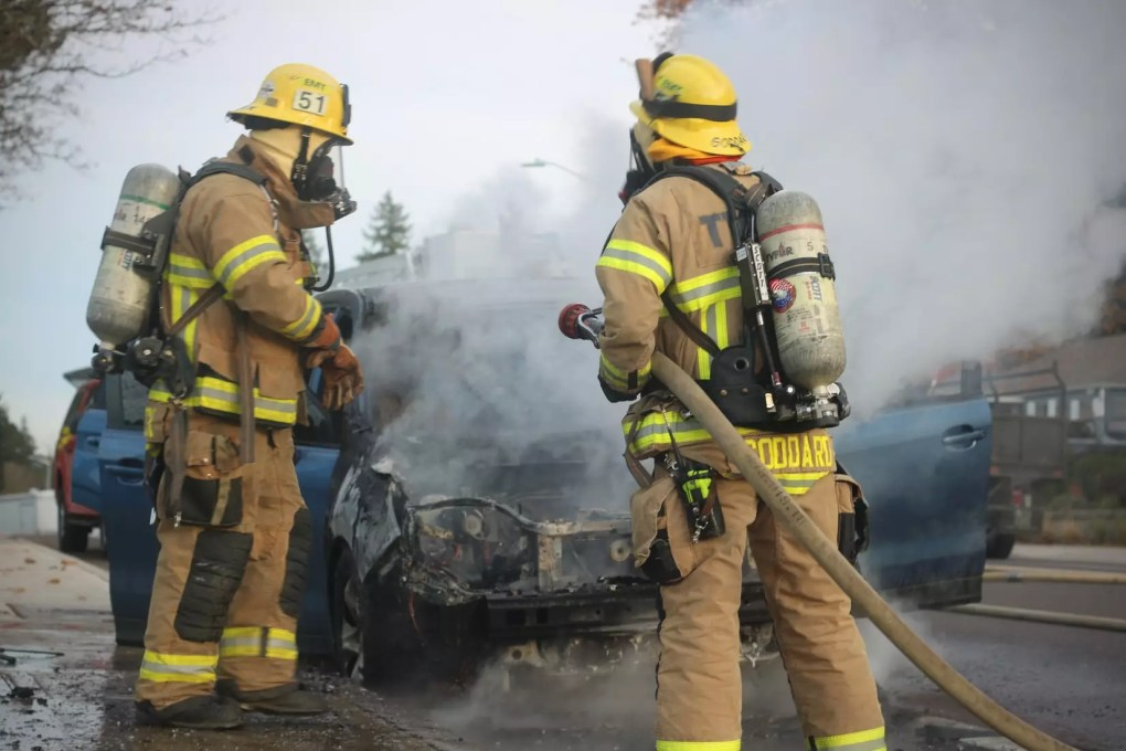 Car Crash near Palm Avenue and Old Farm Road Leads to Vehicle Fire (Bakersfield, CA)