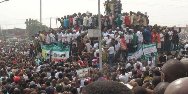 Nigeria shut down by protests, strikes against fuel subsidy withdrawal