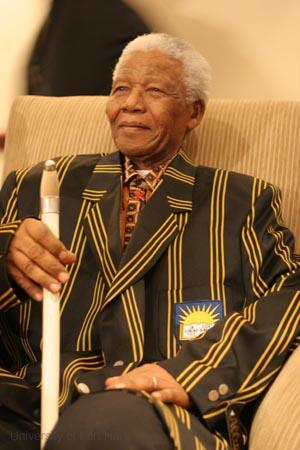 Nelson-Mandela-wt-walking-stick-blazer