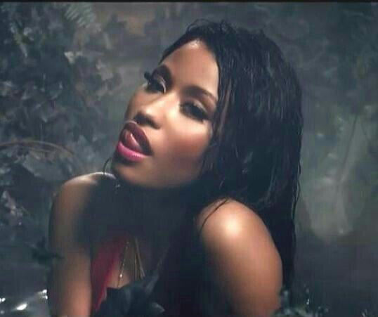 Nicki Minaj releases 'Anaconda' video with Drake; warning ...