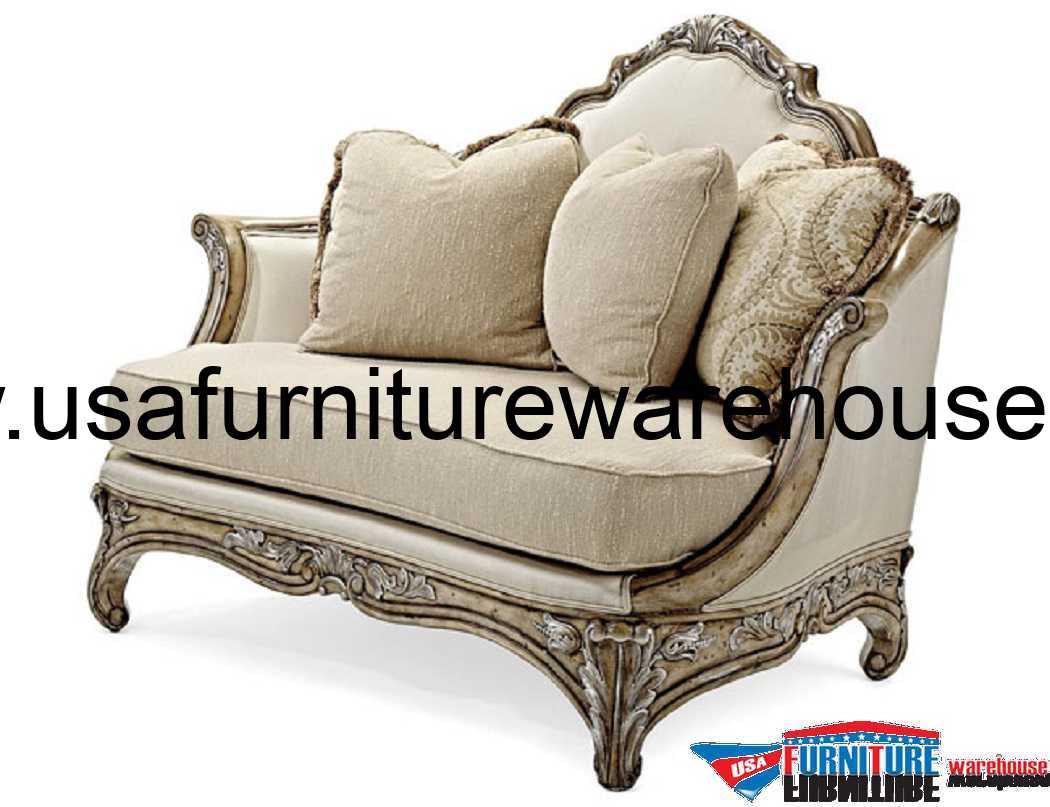 Benetti's Italia Vivacci Luxury Chair And A Half