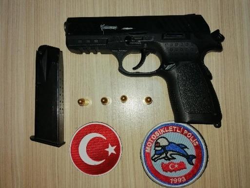 Uşak'ta 37 aranan şahıstan 31'i tutuklandı