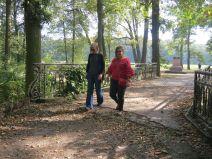 K04. W pałacowym parku