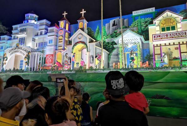 San Jaun CityのChristmas displayの人形劇