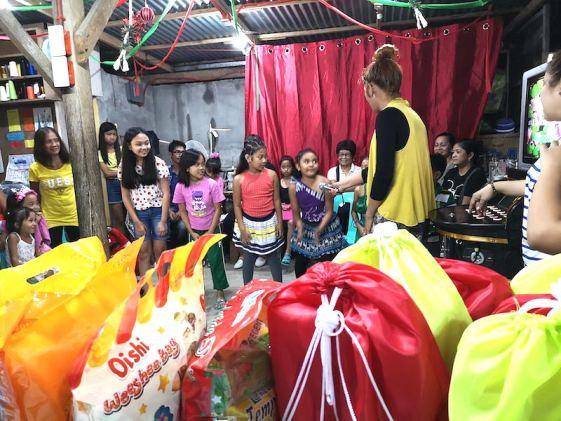 フィリピンのクリスマスパーティー