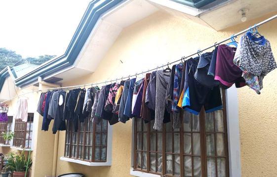 フィリピンで洗濯物。家で手洗いがほとんど