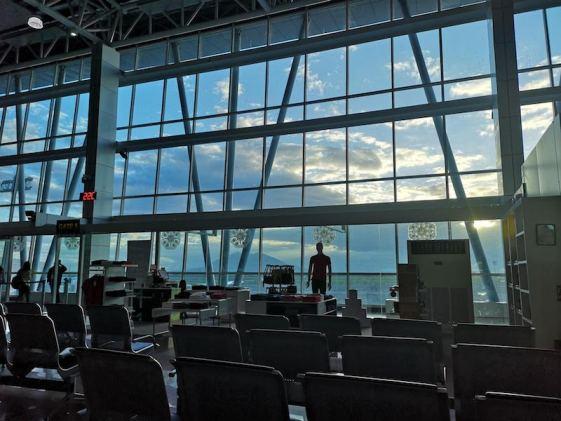 フィリピンクラーク国際空港の待合室