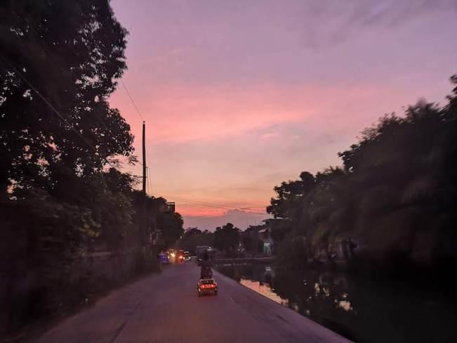 フィリピンで引越し業者探しの帰り道