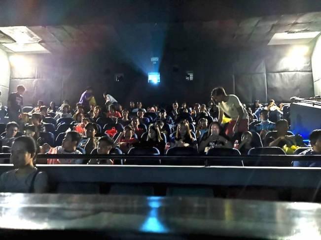 フィリピンの映画館の観客