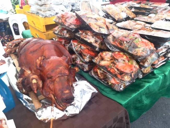 サルセドサタデーマーケットのレチョン
