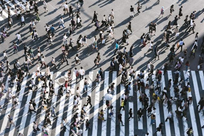 横断歩道と人々