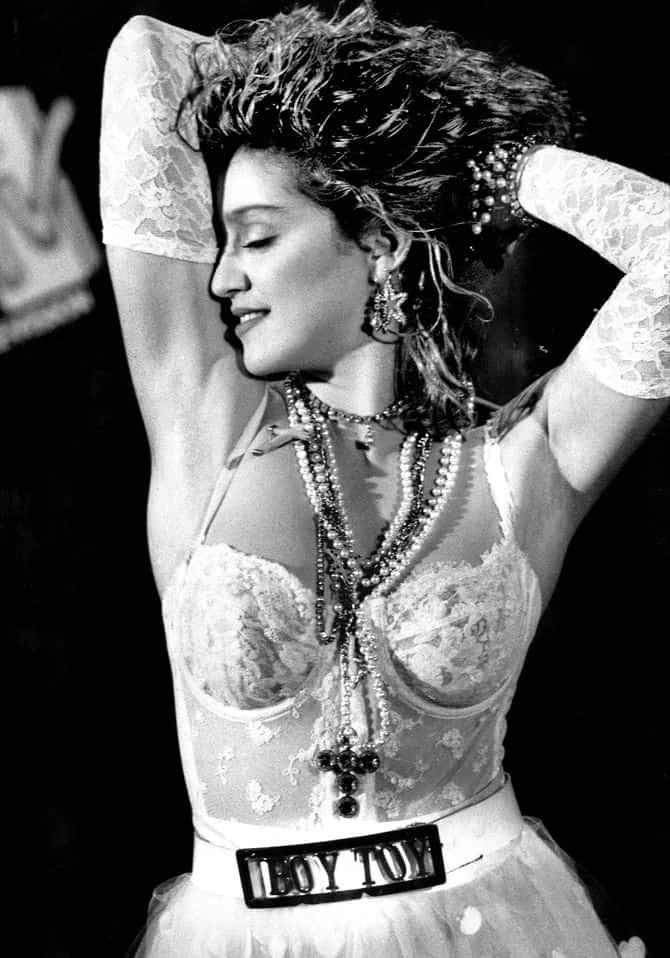 Мадонна в платье а-ля нижнее белье