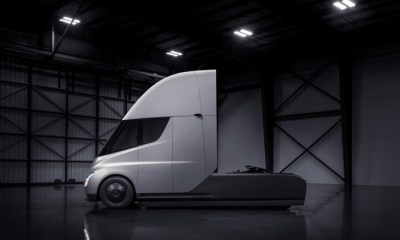 Tesla shares surpass $1,000 on Semi truck production memo