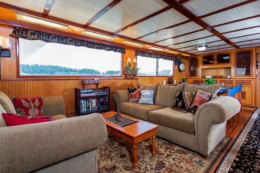 alaskan-cruise-northern-dream-living_room