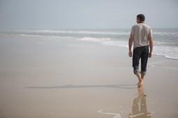 Walking along the beach on St. George Island, FL / ©2017 Audrey Horn / www.usathroughoureyes.com