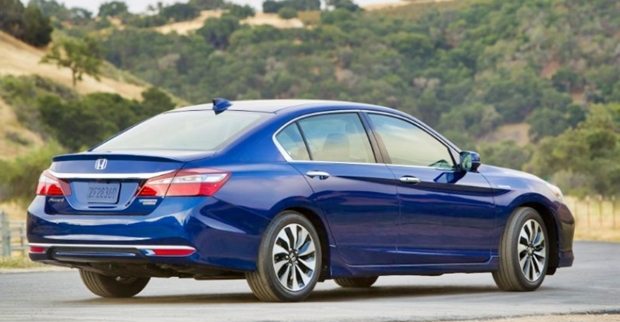 2019 Honda Accord Hybrid Rear View