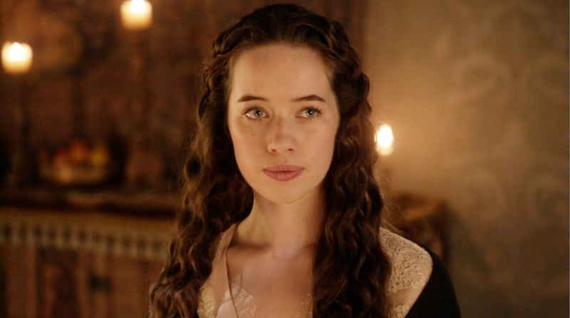 Anna Popplewell Biography, Wiki, Age, Weight, Height, Profession, Lifestyle, Family, Boyfriend, Net Worth & More