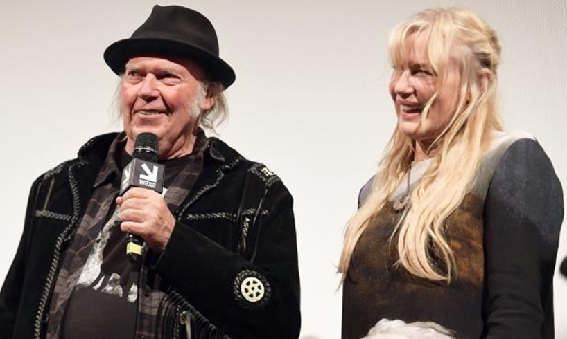 Neil Young Daryl Hannah Married