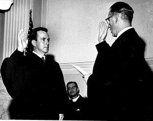 Judge Robert E. Jones is sworn in.