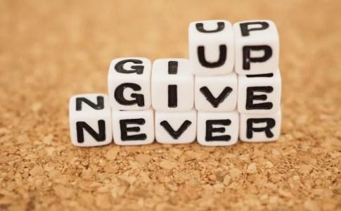 なにかを『やめるかどうか』で悩むときに役立つ3つの指針