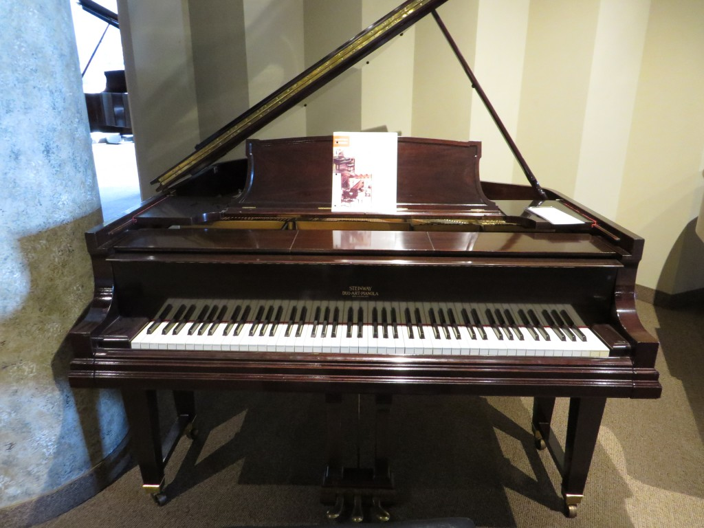 Unique Steinway Model M Xr In Mahogany Satin Used Piano