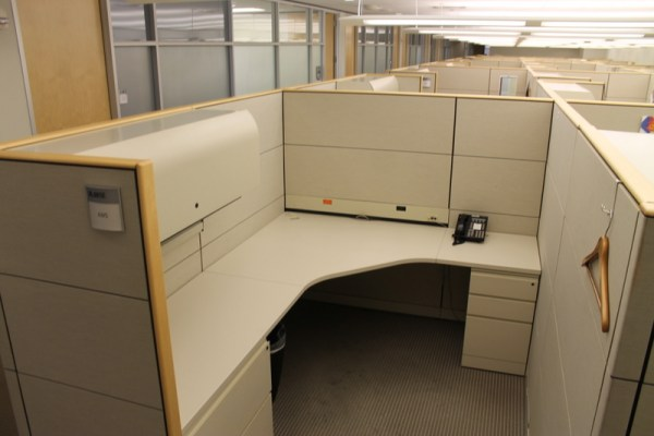 Used Knoll 6x8 Reff Cubicles in Denver1