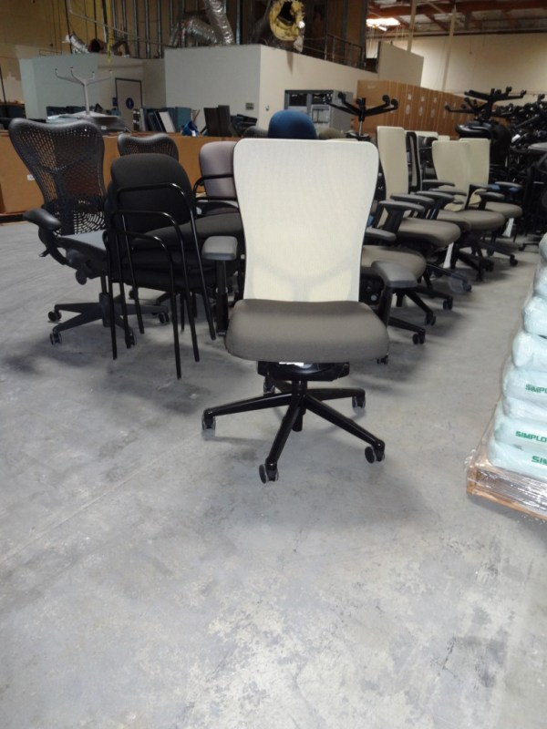 Pre owned Haworth Premise Benching Systems1