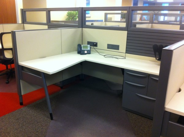 Pre owned Haworth Premise Benching Systems3